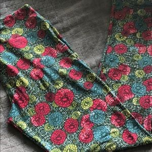 3/$15 LuLaRoe Tall & Curvy Leggings Floral